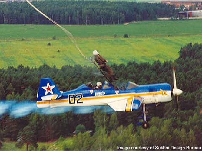Ky la the he may bay Su-26 cua Sukhoi danh tieng-Hinh-9