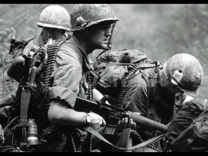 "Sung truong M16 trong chien tranh Viet Nam ""phe"" co nao?"