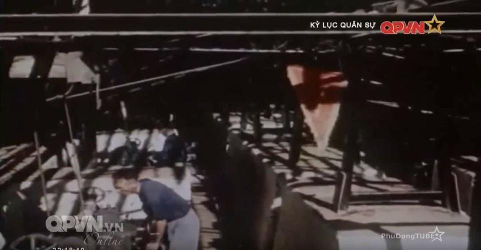 """Xe tang Phap """"thuc thu"""" truoc vu khi chong tang Viet Nam-Hinh-4"""
