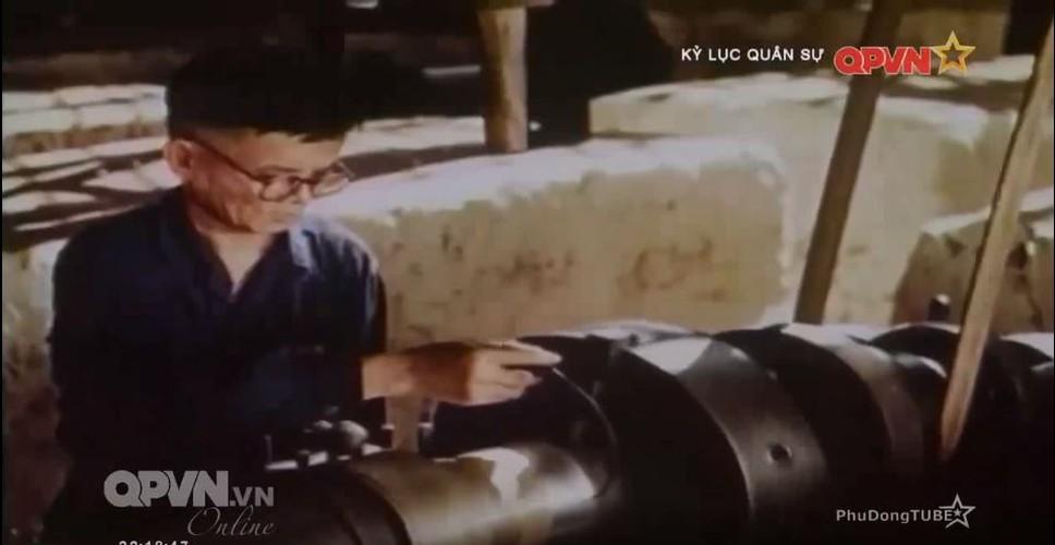 """Xe tang Phap """"thuc thu"""" truoc vu khi chong tang Viet Nam-Hinh-5"""