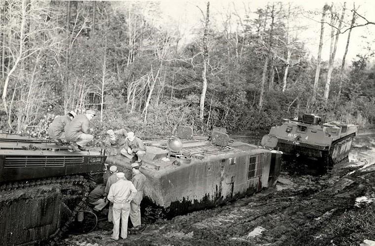 "Vo dung nhu ""xe buyt"" cua TQLC My tren Chien truong Viet Nam-Hinh-10"