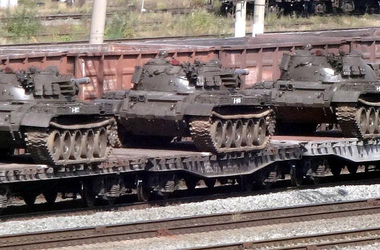 "Nga tang ""hang dong"" T-62M cho Syria, phien quan IS tan doi"