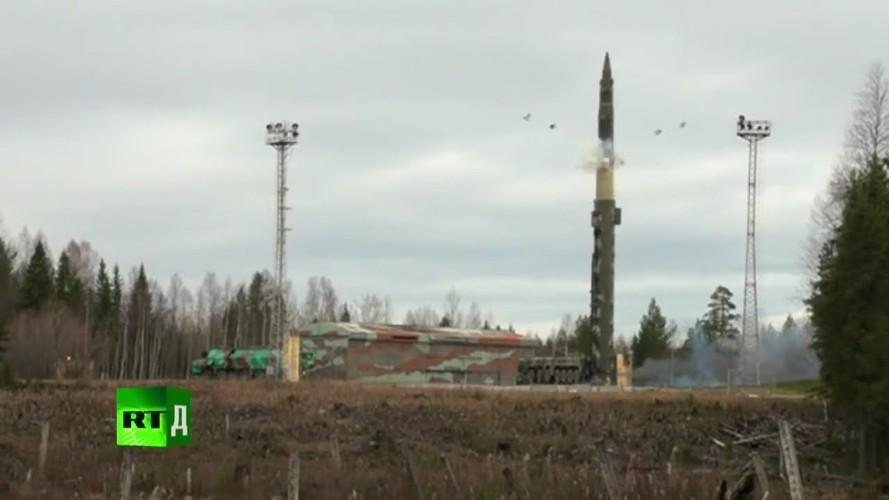Tuong tan lai lich ten lua ICBM Nga moi ban vao Kazakhstan-Hinh-8