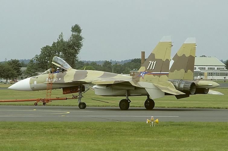 """Diem mat """"ca ho"""" dong chien dau co huyen thoai Sukhoi Su-27-Hinh-11"""
