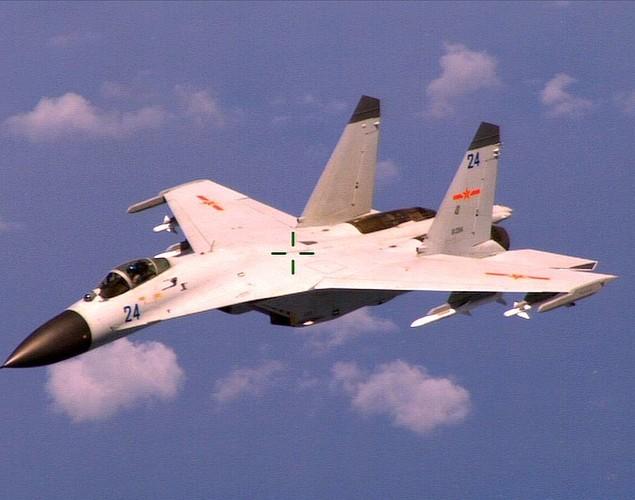 """Diem mat """"ca ho"""" dong chien dau co huyen thoai Sukhoi Su-27-Hinh-12"""