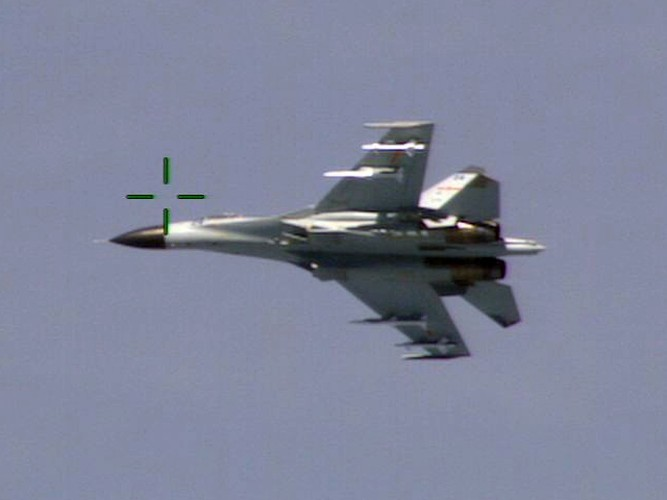 """Diem mat """"ca ho"""" dong chien dau co huyen thoai Sukhoi Su-27-Hinh-13"""