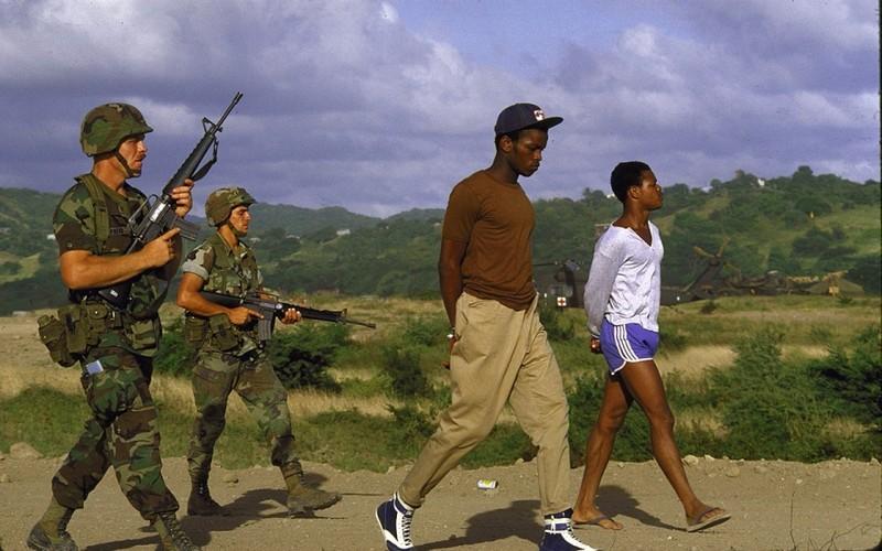"""Xam luoc Grenada: Quan doi My """"rua nhuc"""" su kien Vinh con Lon-Hinh-13"""