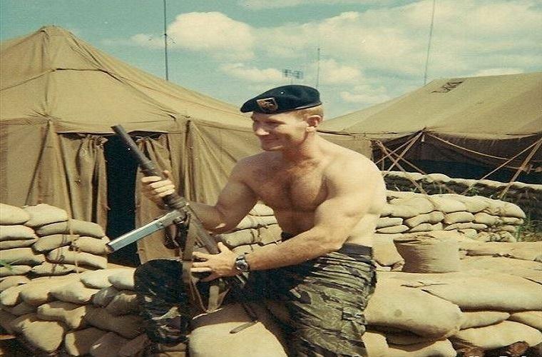 Truoc M16, Biet kich My dung sung gi o Viet Nam-Hinh-2