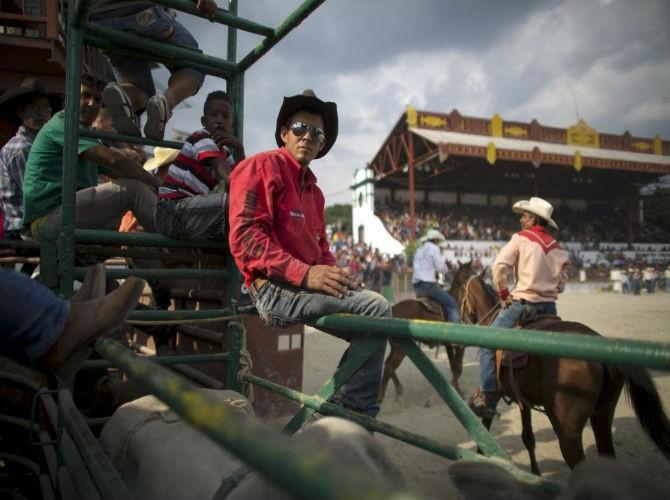 Gioi tre Cuba qua ong kinh phong vien Reuters-Hinh-6