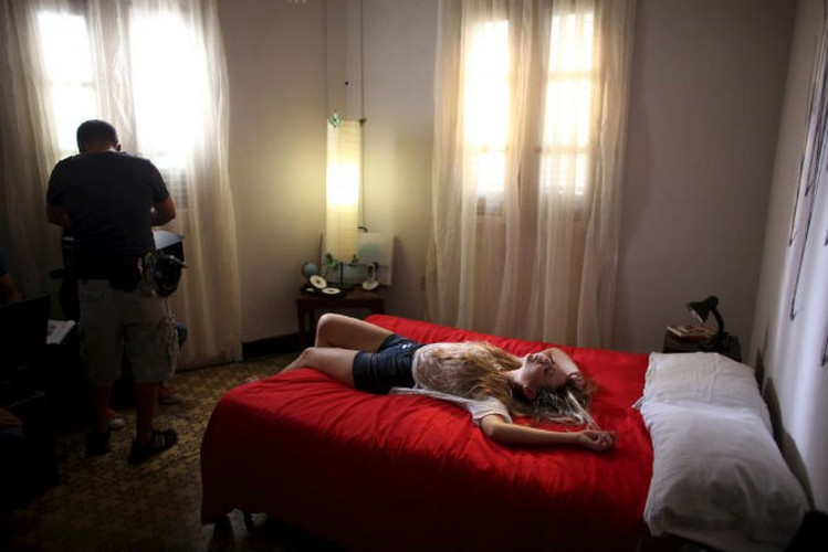 Gioi tre Cuba qua ong kinh phong vien Reuters-Hinh-7