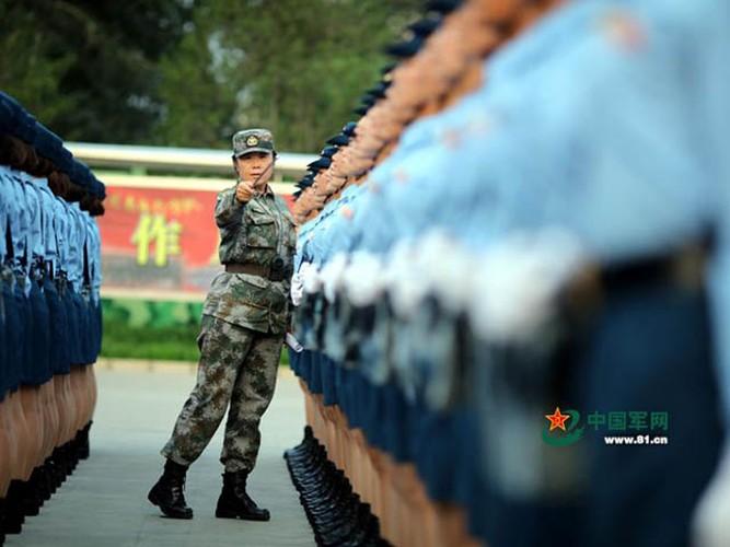 "Ngam dan ""chan dai"" tham gia dieu binh cua Trung Quoc-Hinh-6"