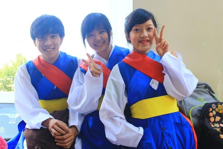 Ngam nu sinh Da Nang  xinh dep trong trang phuc Hanbok-Hinh-5
