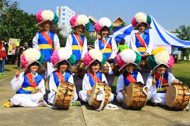 Ngam nu sinh Da Nang  xinh dep trong trang phuc Hanbok-Hinh-7