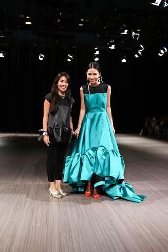Anna Vo gay an tuong tai Vietnam Designer Fashion Week 2015-Hinh-12