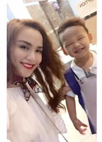 HH Diem Huong hanh phuc don sinh nhat ben con trai-Hinh-7