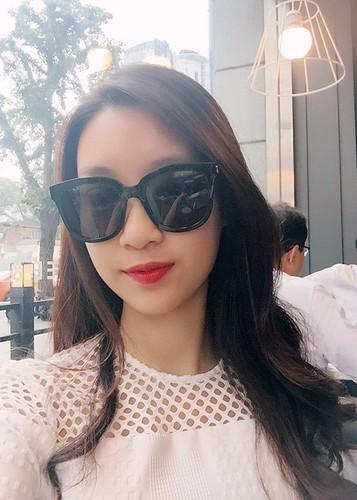 Hoa hau Do My Linh tre trung hon voi kieu toc moi-Hinh-8