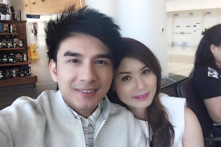 Hon nhan vien man cua Dan Truong Thanh Bui ben vo dai gia-Hinh-3