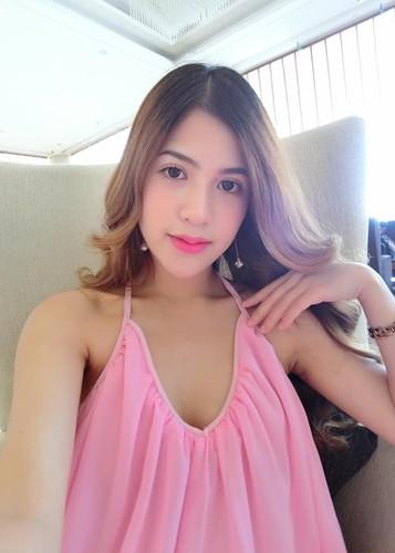 Vo dien vien Viet Anh hanh phuc khoe bung bau lum lum-Hinh-3