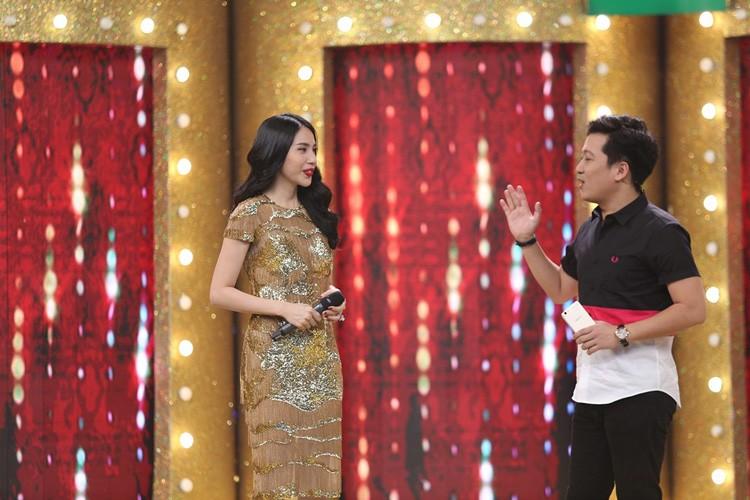Thuy Tien tai hop Dang Khoi the hien ban hit dinh dam-Hinh-5