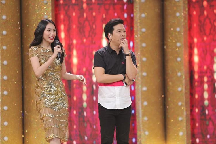 Thuy Tien tai hop Dang Khoi the hien ban hit dinh dam-Hinh-6