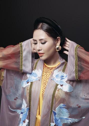 Ngam trang phuc dan toc cua Nguyen Loan tai Miss Grand International-Hinh-4