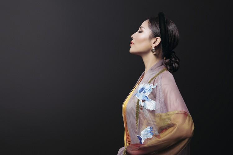 Ngam trang phuc dan toc cua Nguyen Loan tai Miss Grand International-Hinh-5