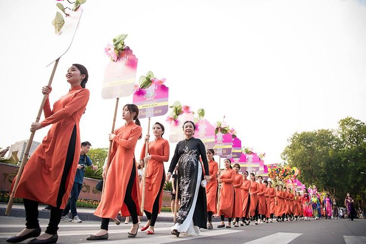HH Ngoc Han do sac cung dan em Kieu Vy To Nhu-Hinh-12