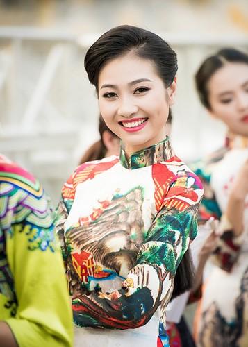 HH Ngoc Han do sac cung dan em Kieu Vy To Nhu-Hinh-4