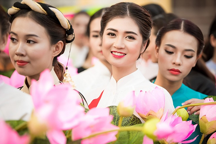 HH Ngoc Han do sac cung dan em Kieu Vy To Nhu-Hinh-8