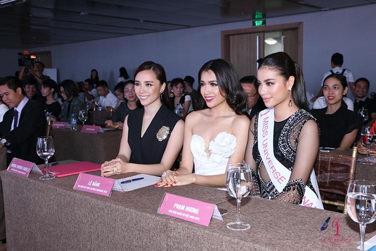 Le Hang do sac cung Pham Huong A hau Thien Ly-Hinh-8