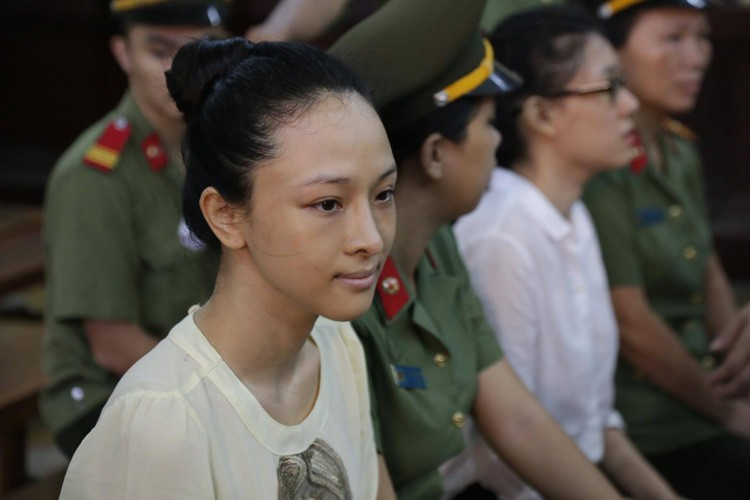 Nhung su kien lam rung dong showbiz Viet nam 2016-Hinh-11