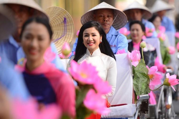 Duong tinh duyen ke ven tron nguoi lan dan cua my nhan sinh 1969-Hinh-15