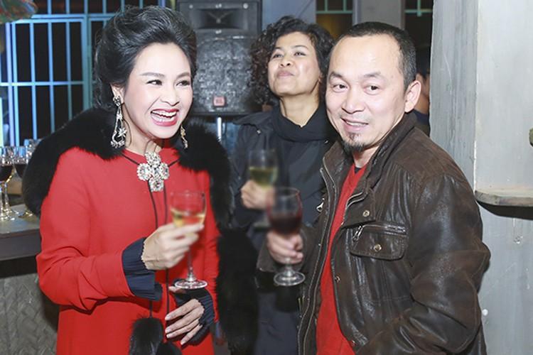 Duong tinh duyen ke ven tron nguoi lan dan cua my nhan sinh 1969-Hinh-9