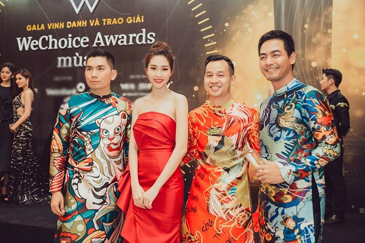 Thu Thao, Ky Duyen, Huyen My dep long lay tren tham do-Hinh-5