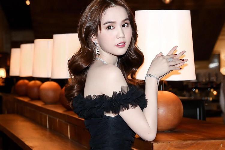 Hoang Kieu cang say dam, Ngoc Trinh cang tho o?-Hinh-11