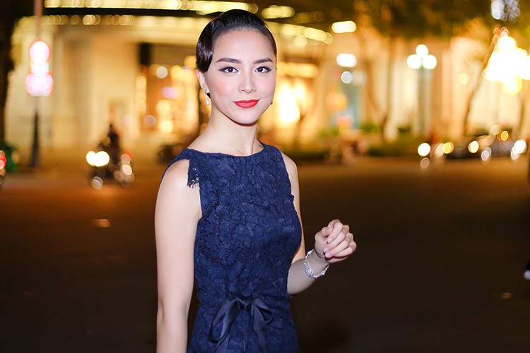 Ngat ngay ve dep man ma cua A hau Thien Ly-Hinh-2