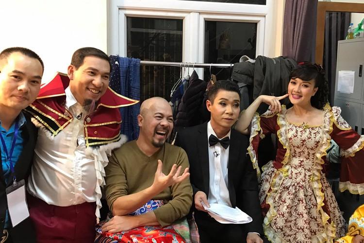 Anh hau truong buoi ghi hinh dau tien cua Tao quan 2017-Hinh-4