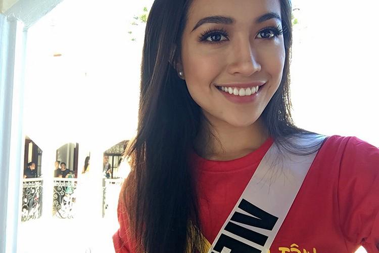 Le Hang goi cam trong tiec chao mung cua Miss Universe-Hinh-10