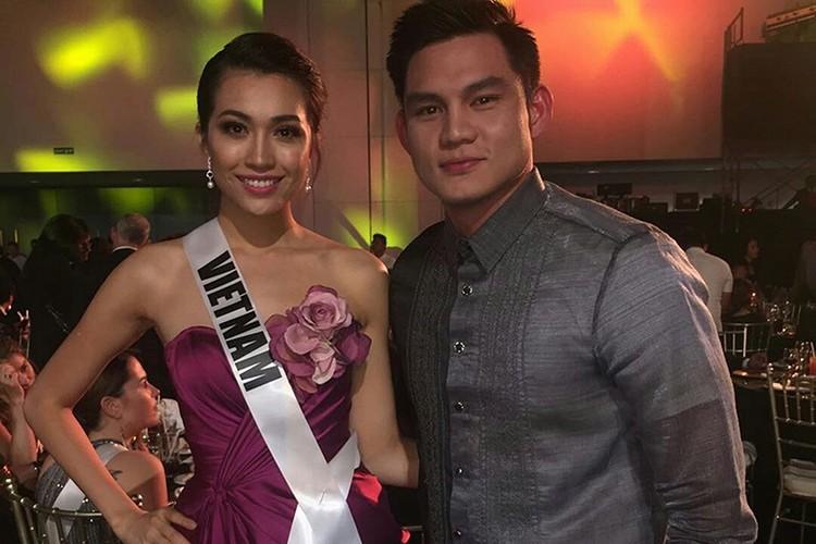 Le Hang goi cam trong tiec chao mung cua Miss Universe-Hinh-2