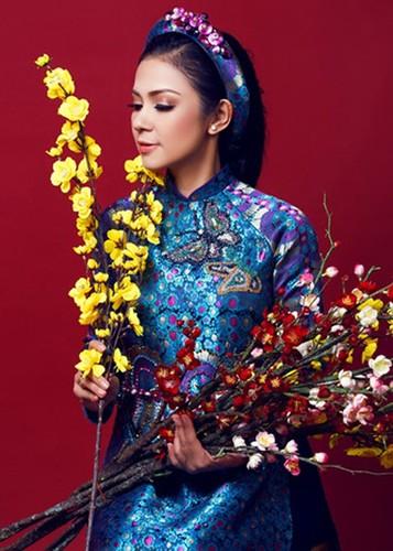My nhan Viet dep diu dang trong ao dai don Tet-Hinh-6