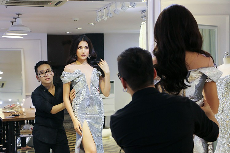Ngam trang phuc da hoi cua Le Hang tai Miss Universe 2016-Hinh-2