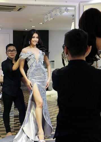 Ngam trang phuc da hoi cua Le Hang tai Miss Universe 2016