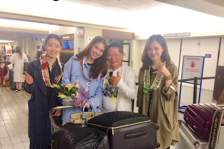 Anh tinh tu cua Ngoc Trinh - Hoang Kieu tai san bay Hawaii-Hinh-3