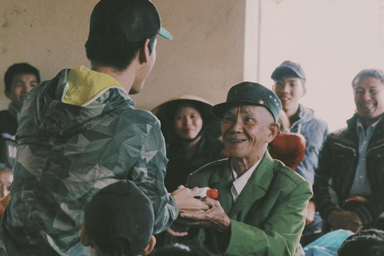 Loat sao Viet di tu thien dip Tet Nguyen dan 2017-Hinh-5