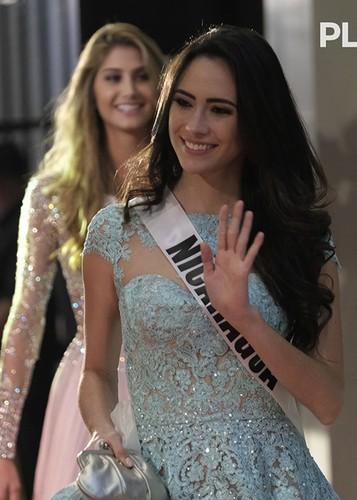 Dung nhan 12 thi sinh dep nhat truoc ban ket Miss Universe-Hinh-2