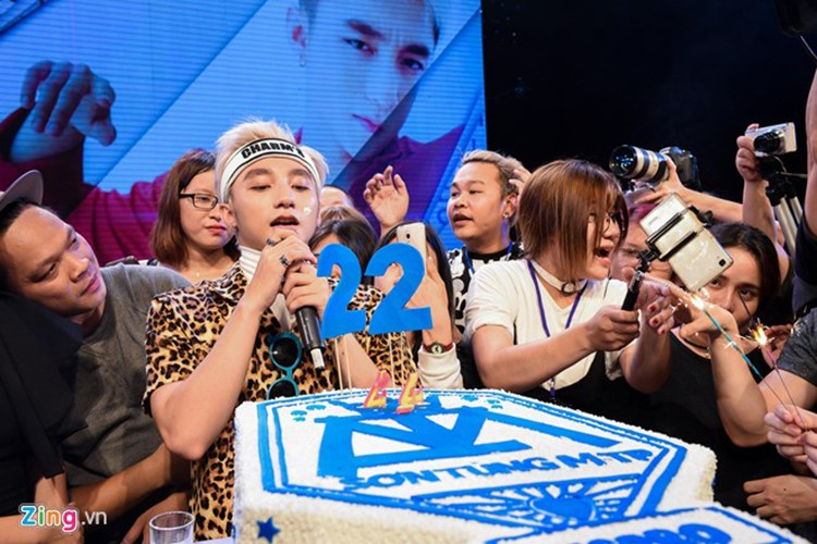 Muon kieu Son Tung MTP cung chieu fan it sao bi kip-Hinh-8