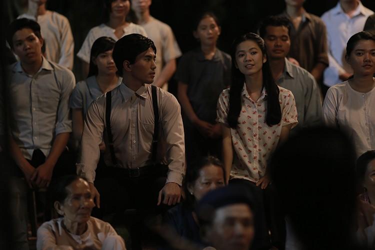 Hoc tro Ngo Thanh Van vuong tinh tay ba trong phim moi-Hinh-2