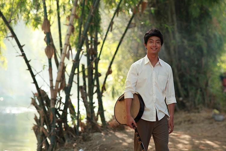 Hoc tro Ngo Thanh Van vuong tinh tay ba trong phim moi-Hinh-6