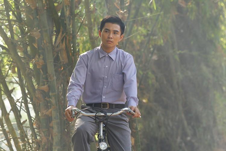 Hoc tro Ngo Thanh Van vuong tinh tay ba trong phim moi