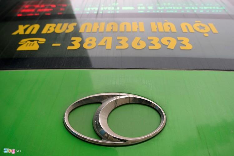 Noi that don gian cua buyt nhanh BRT bi to doi gia-Hinh-12